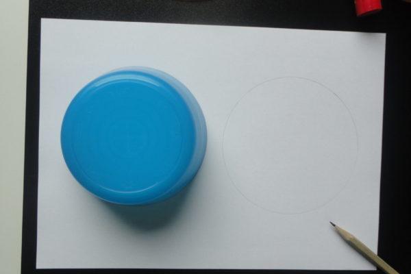 Kolorowy spinner - kółko na papierze