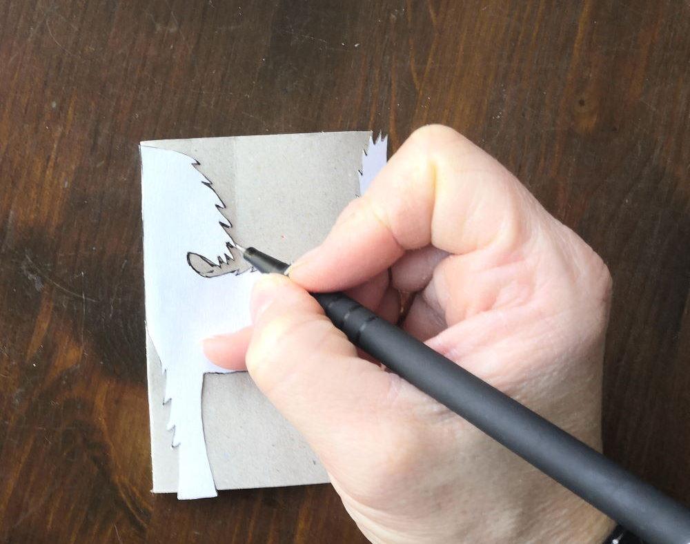 Kot z rolki papieru